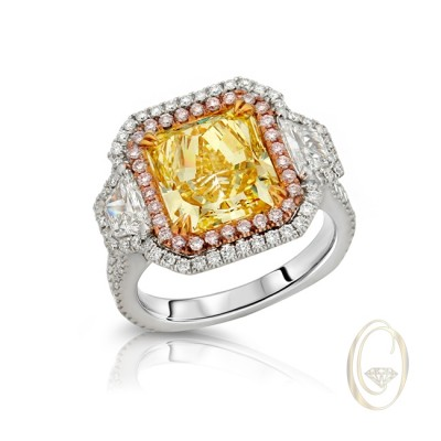 18K FANCY COLOR DIAMOND RING